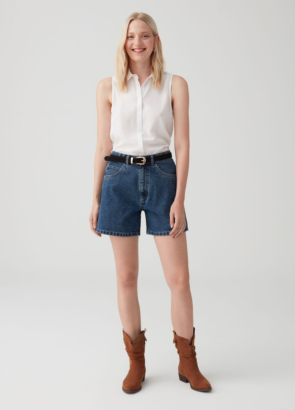 Mom-fit denim shorts with high waist
