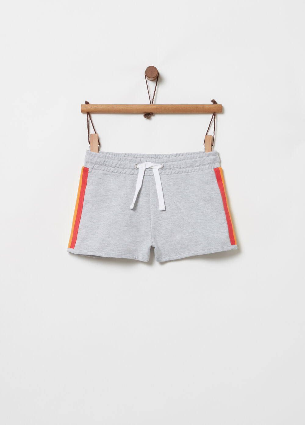 Mélange shorts with coloured striped ribbon
