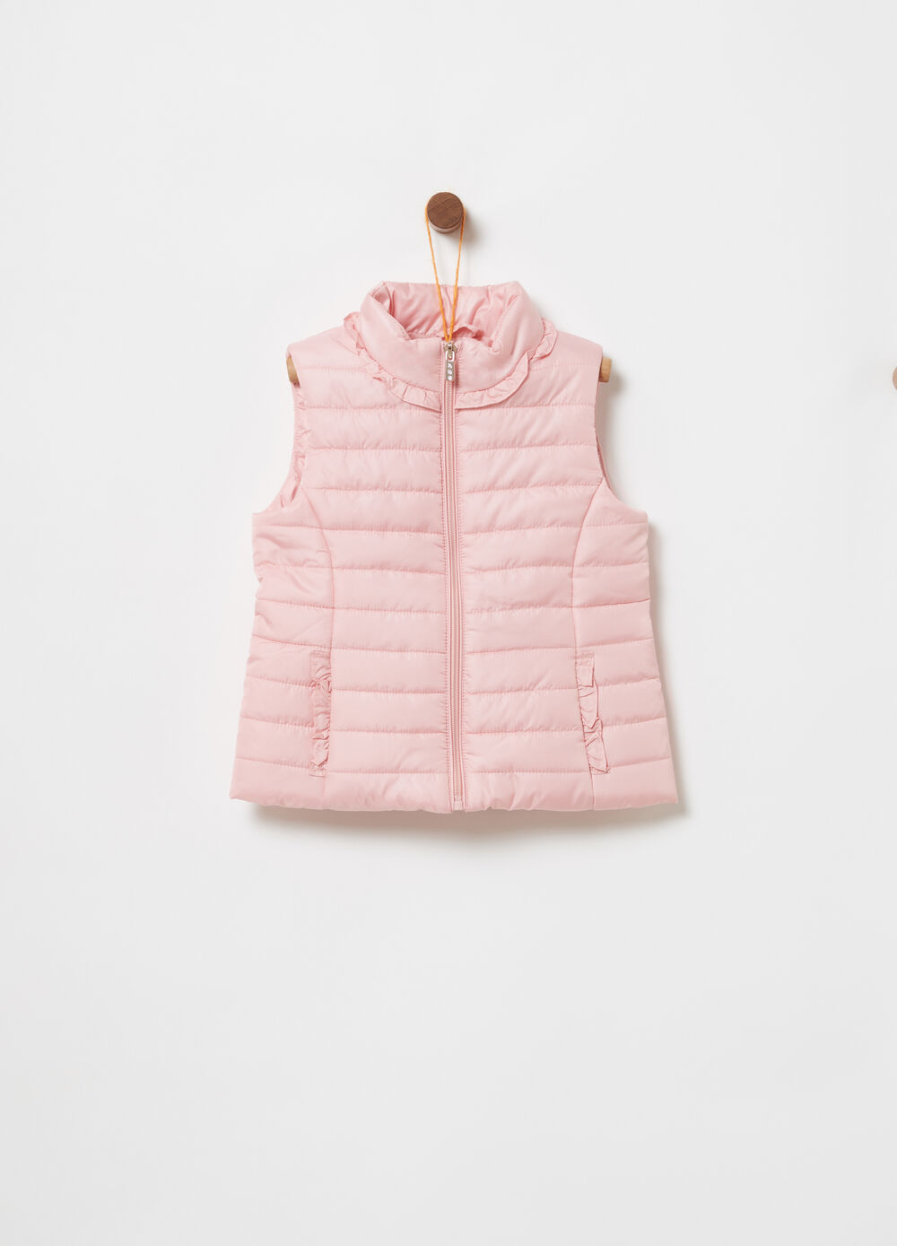 Padded gilet with pleated inserts