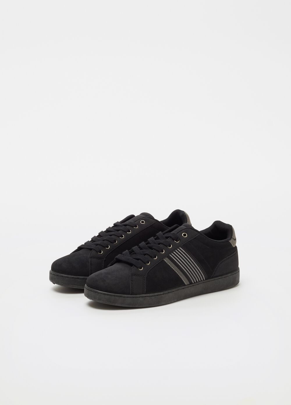 Low sneakers with suede effect
