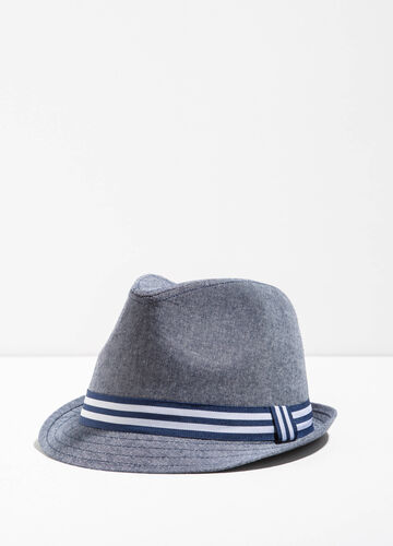 Wide brim hat with striped band