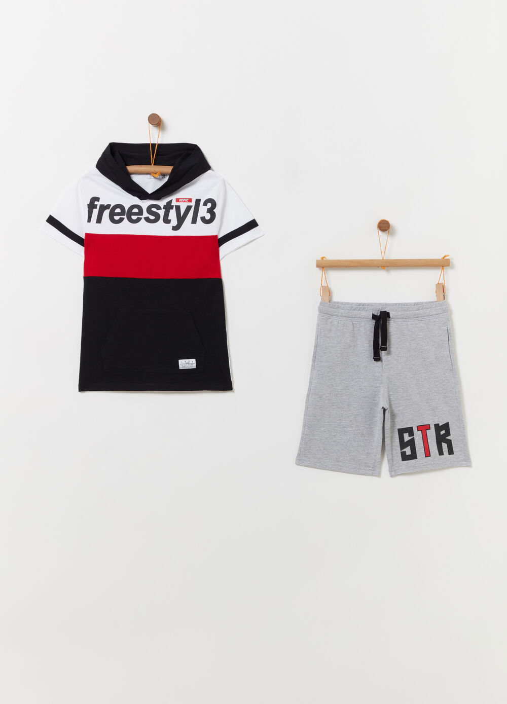 Block colour T-shirt and shorts jogging set