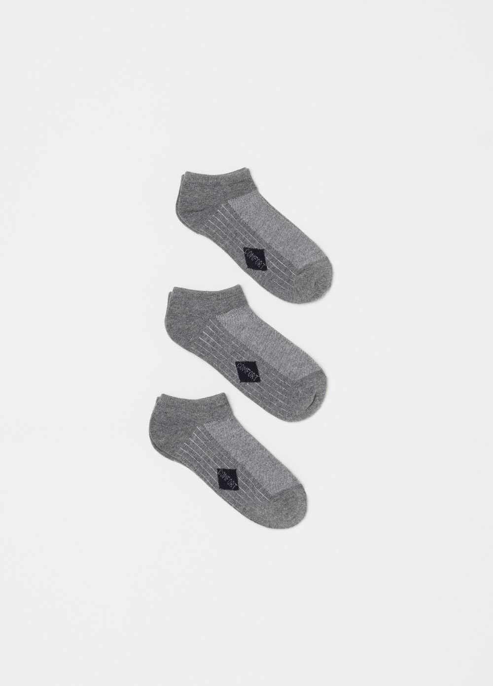 Three-pair pack comfortable ankle socks in jacquard