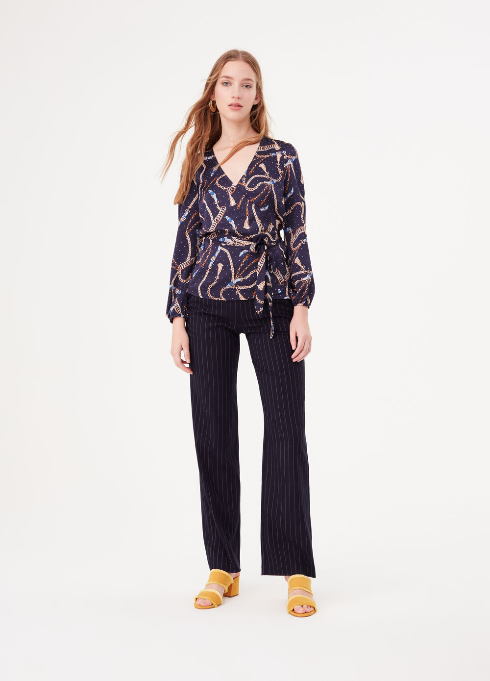 Crossover blouse in satin with chain print