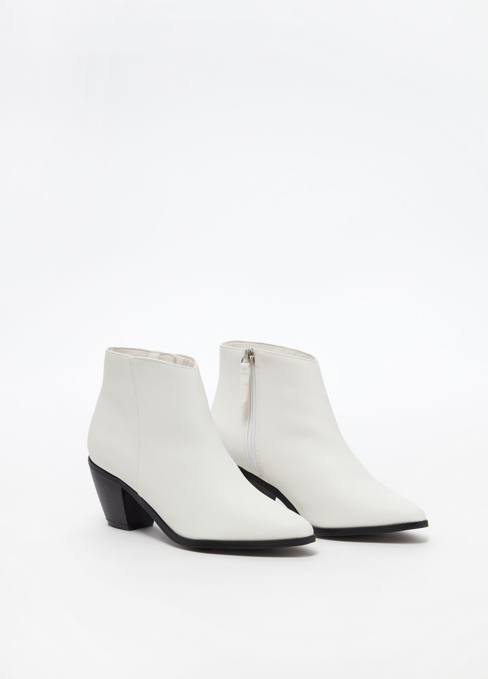 Pointed Texan boots with side zip