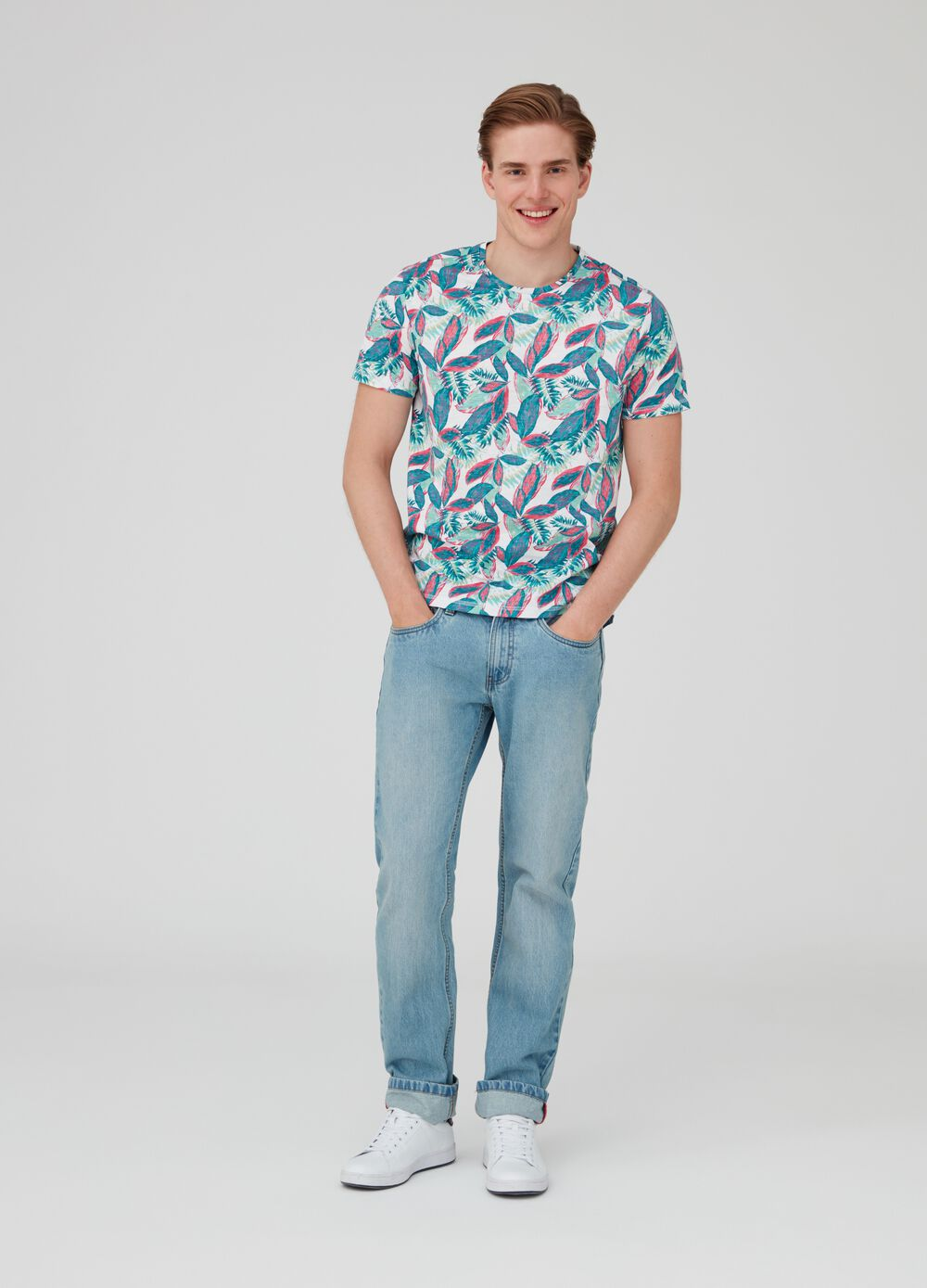 Foliage patterned T-shirt by Maui and Sons