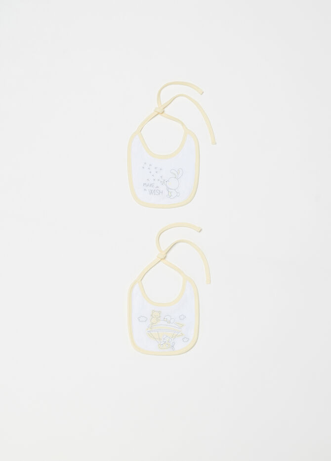 Two-pack BCI bibs with contrasting edging