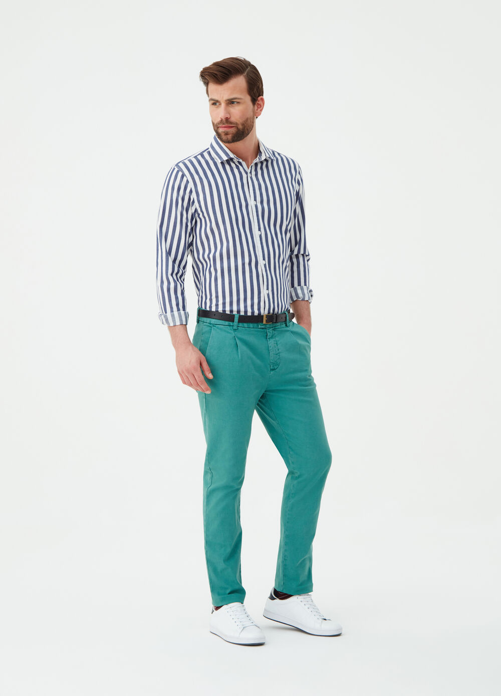 Regular-fit chino trousers with pockets