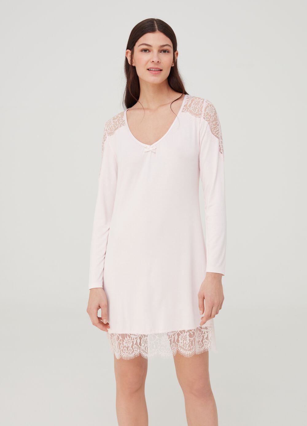 Nightshirt with lace inserts