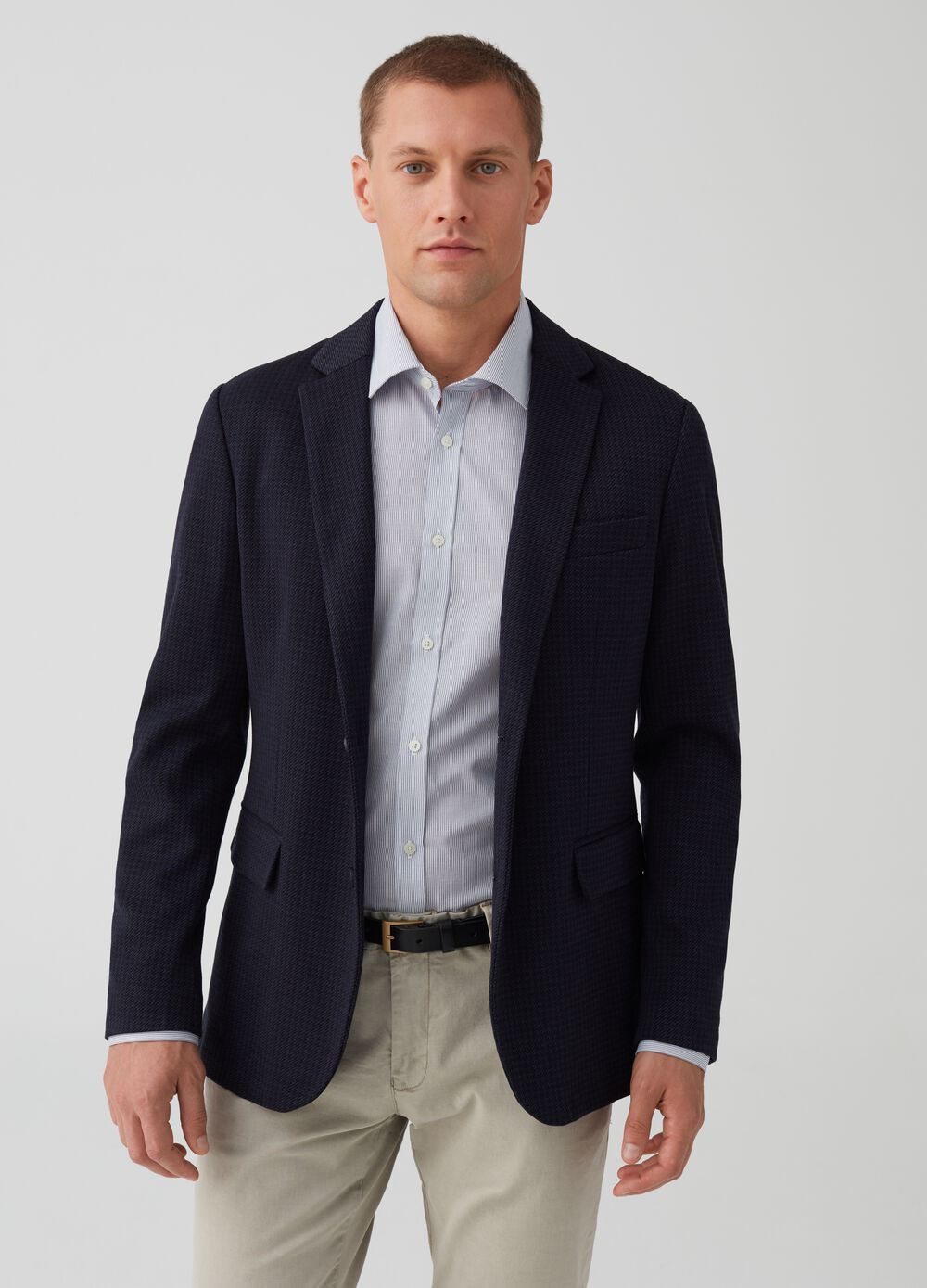 Two-button jacket with micro pattern