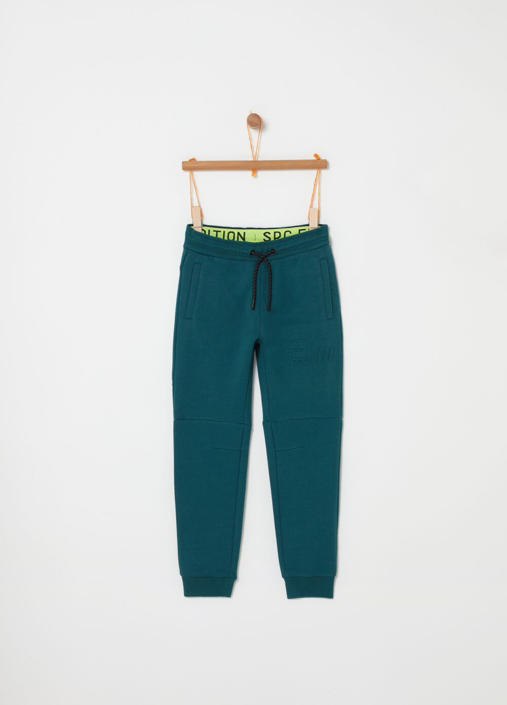 Stretch jogger trousers with 3D print