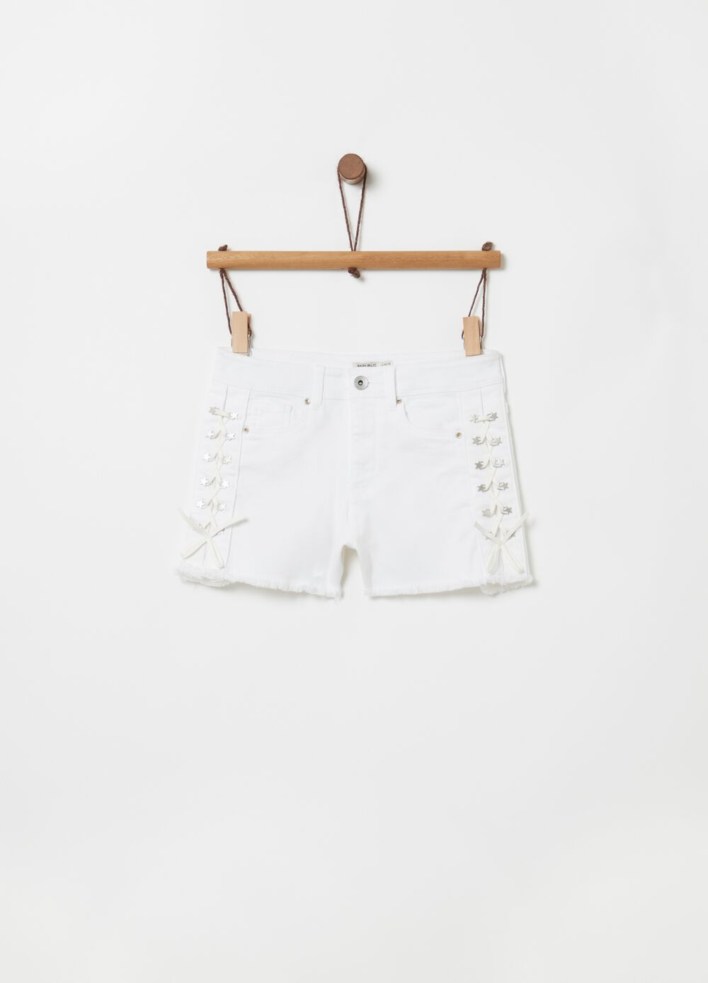 Stretch drill shorts with braiding and eyelets
