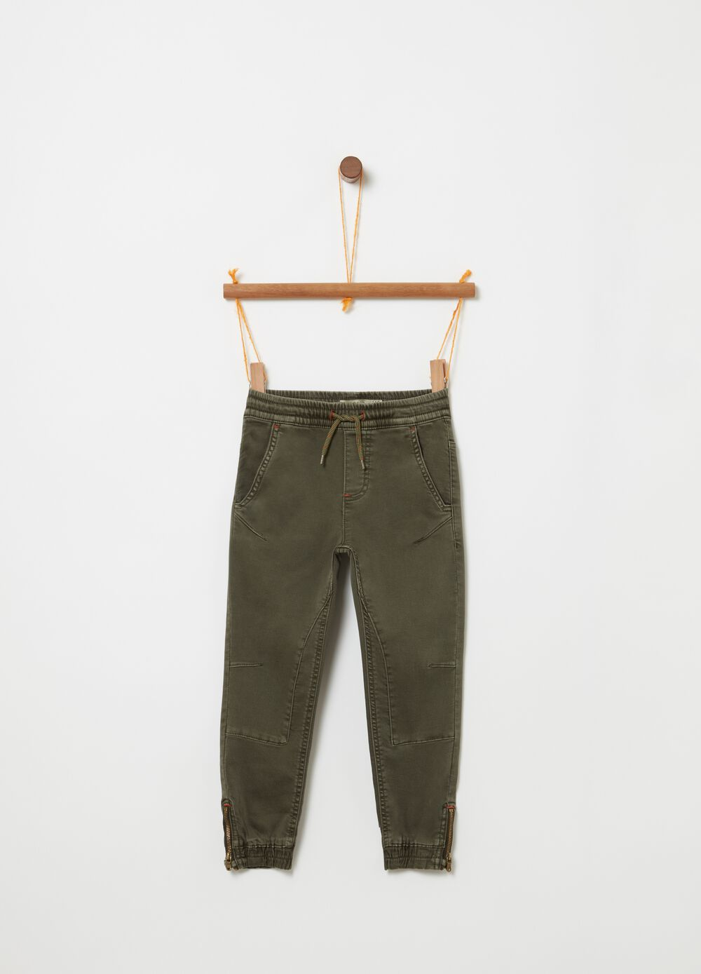 Joggers with drawstring, pockets and zip