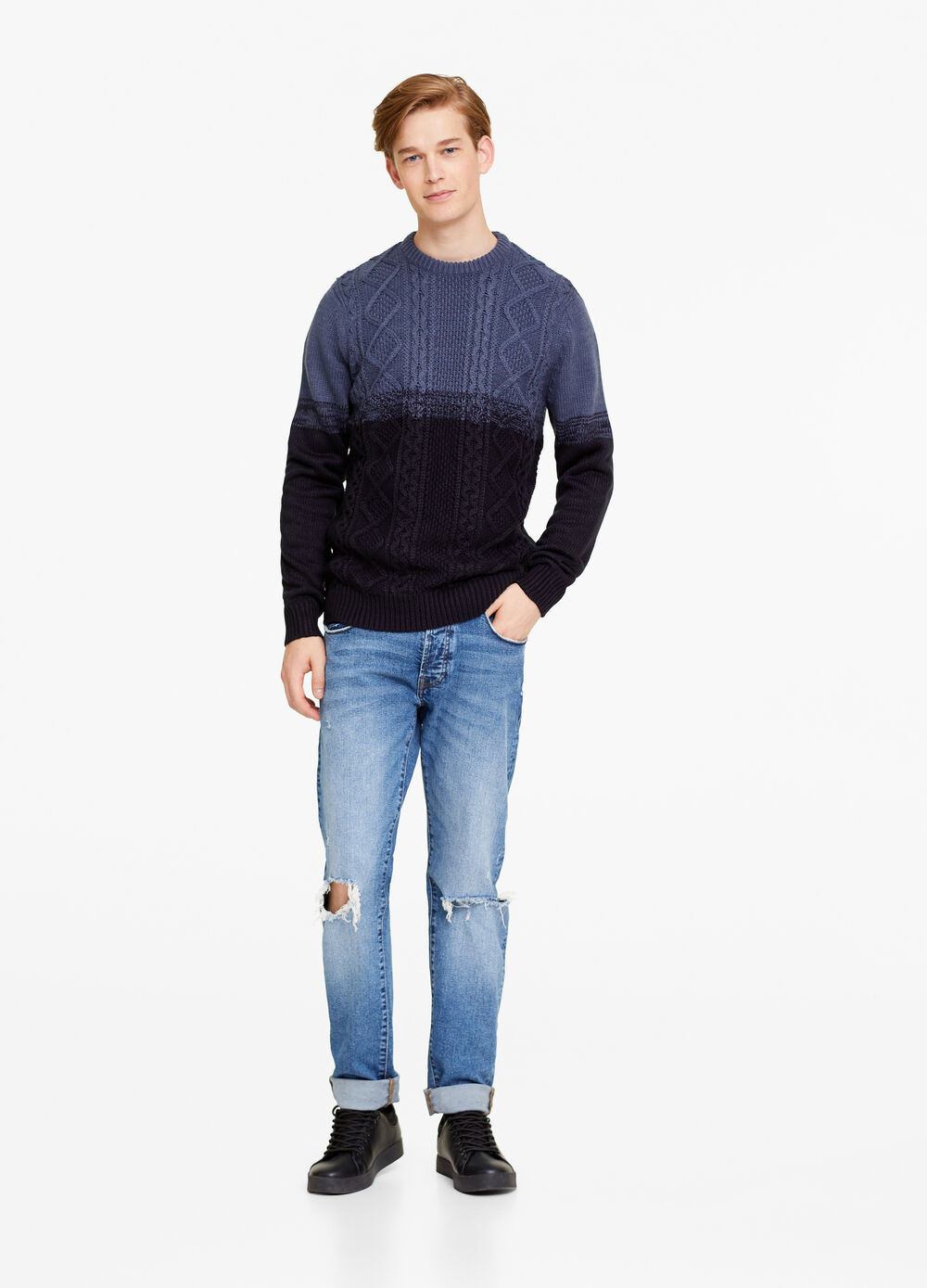 Knitted two-tone pullover