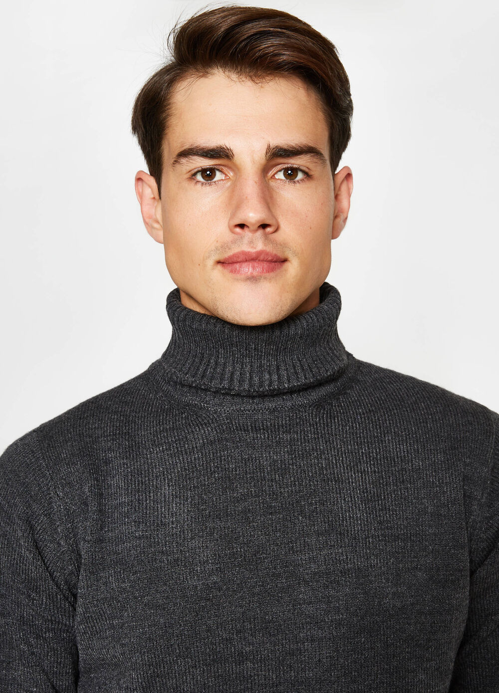 Solid colour turtleneck jumper with high neck