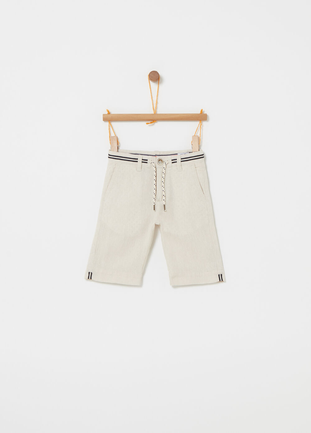 Shorts with drawstring and striped details