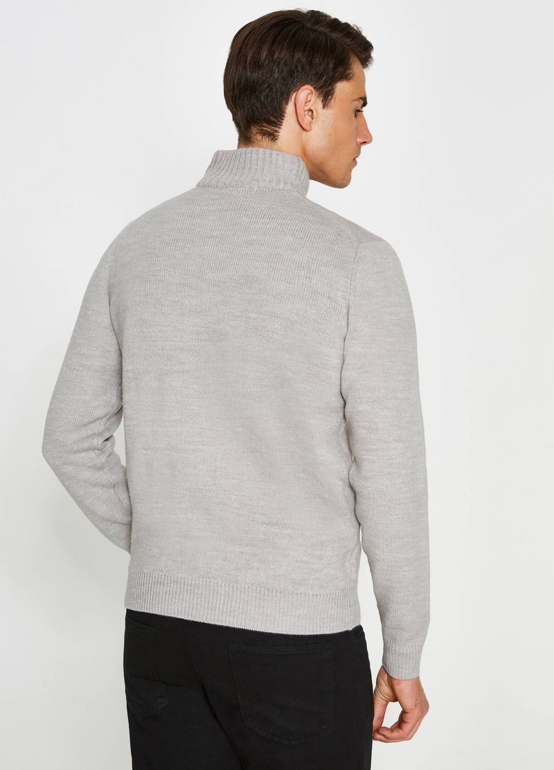 Pull avec col montant et zip image number null