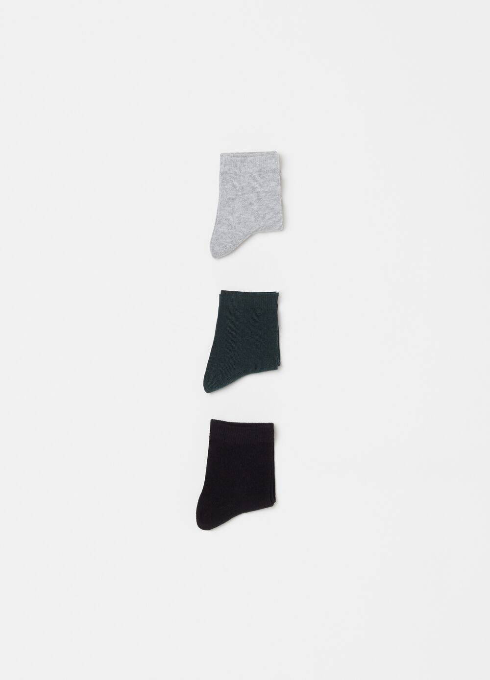 Three-pair pack short socks with ribbing