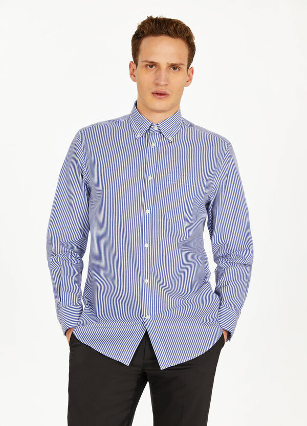 Striped formal shirt with regular fit