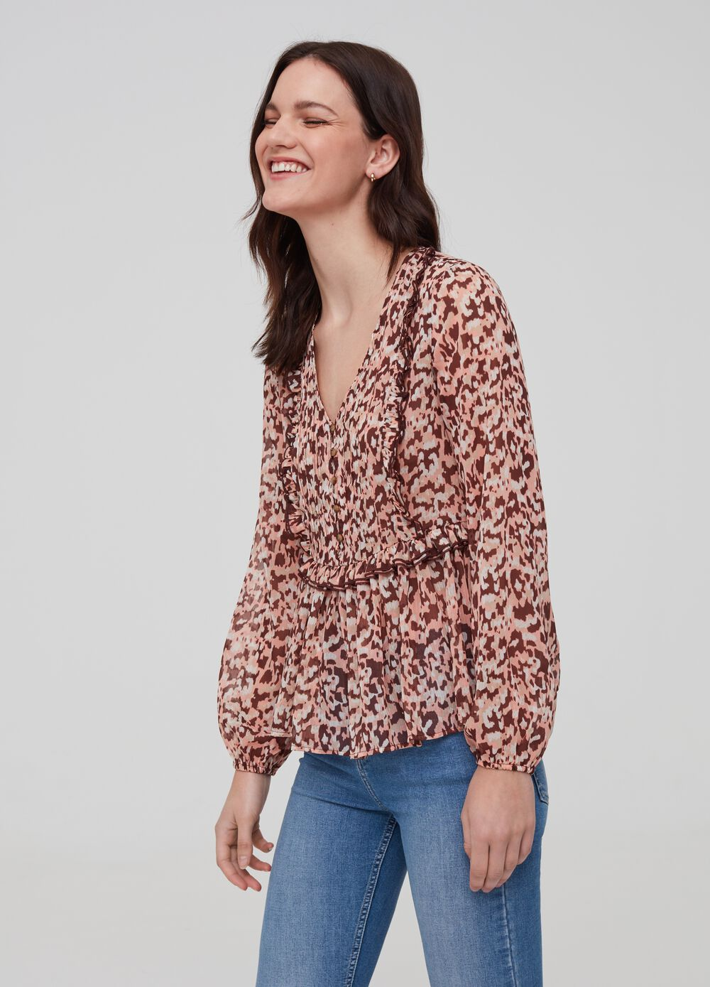 Blouse with V-neck and animal print