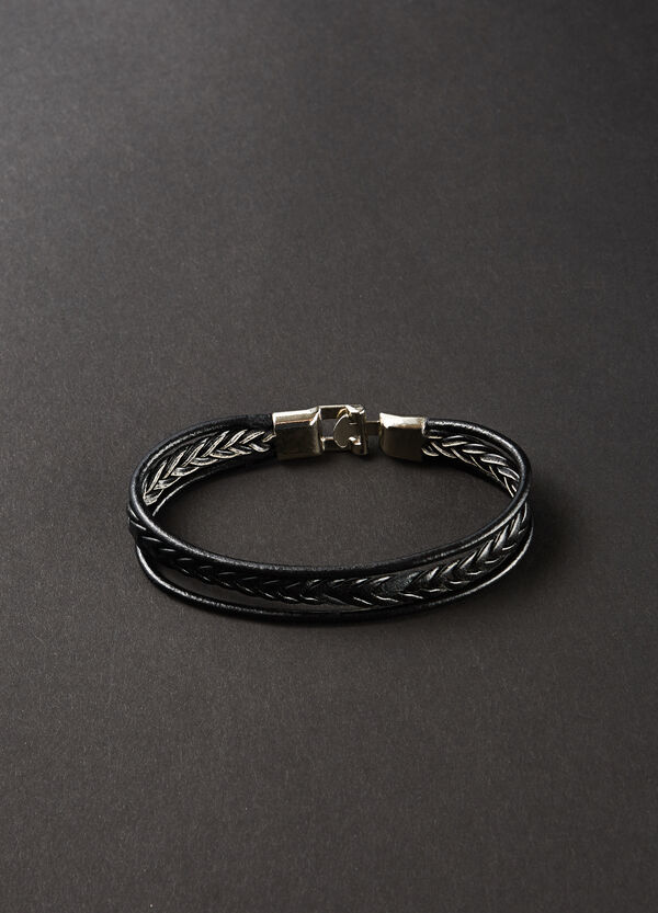 Bracelet with three woven threads