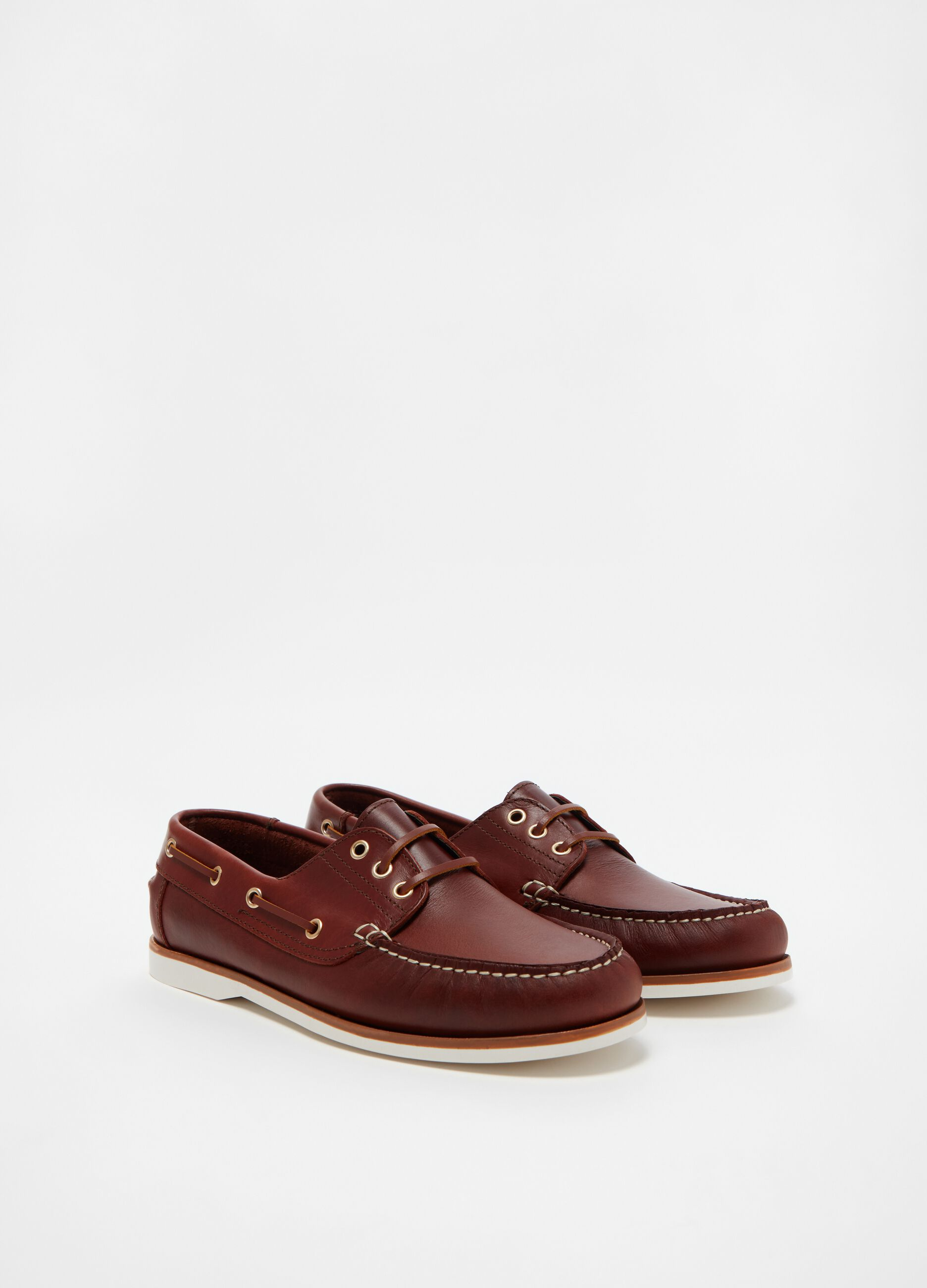 Genuine leather moccasins with laces