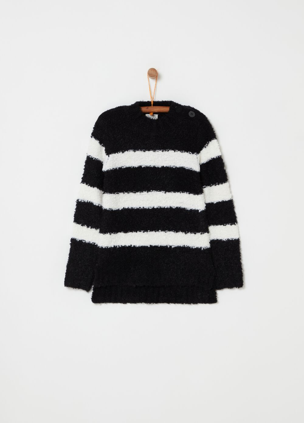 Knitted top with stripes and splits