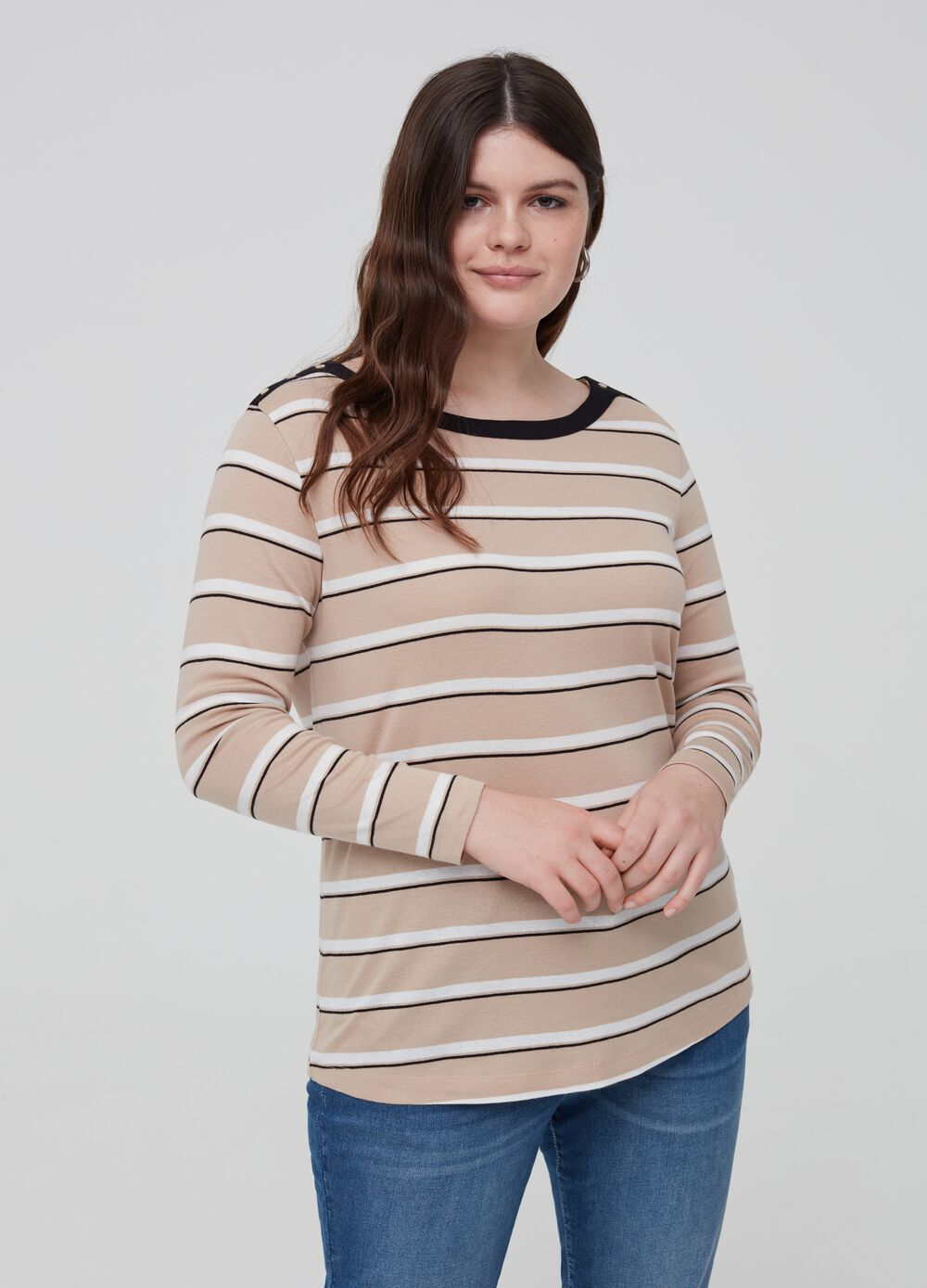 Curvy 100% organic cotton T-shirt with pattern