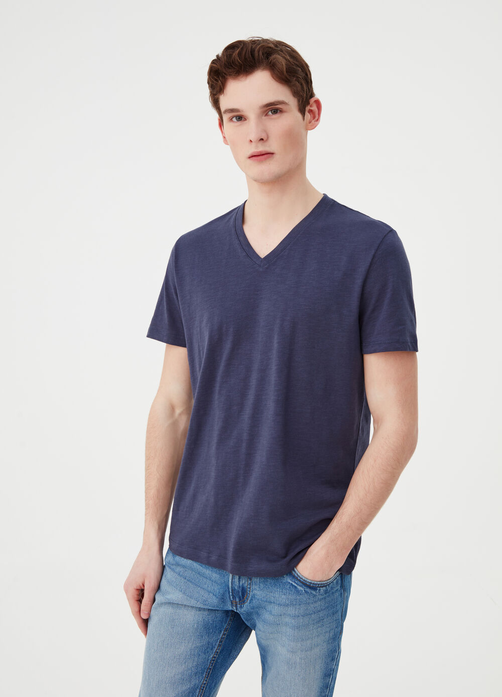 V-neck T-shirt in 100% cotton jersey