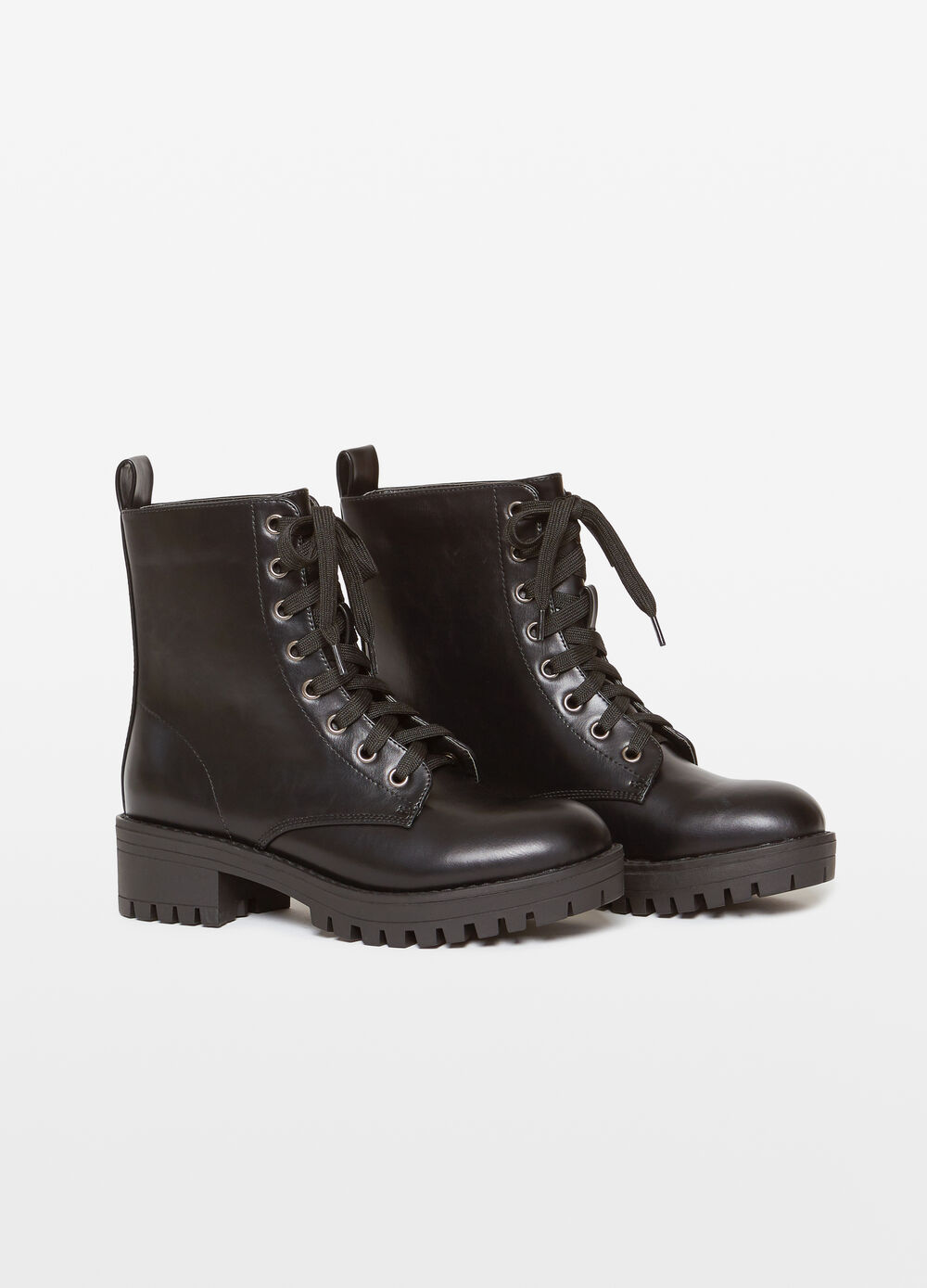 Solid colour leather look boots