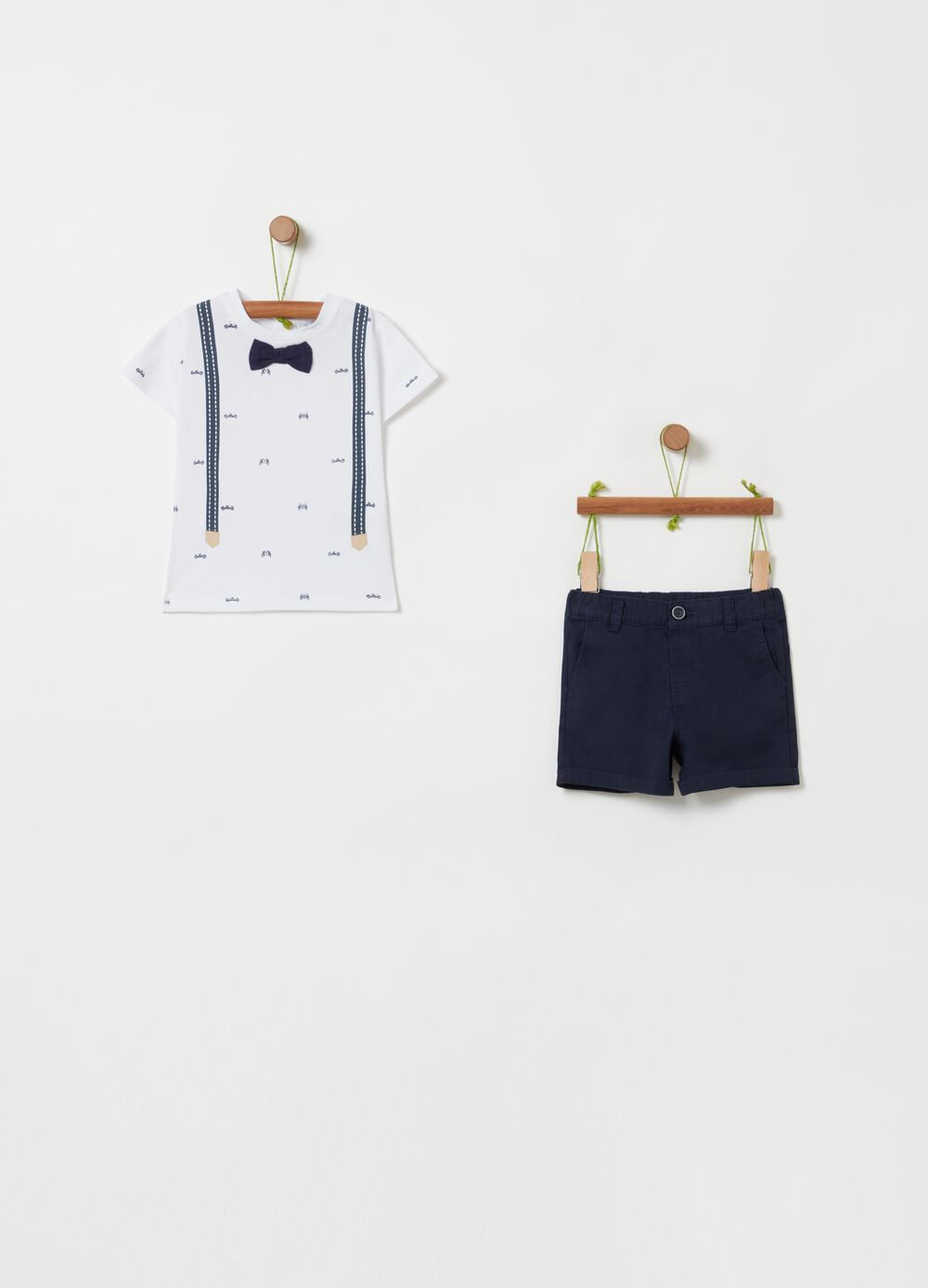 T-shirt and shorts set with pattern