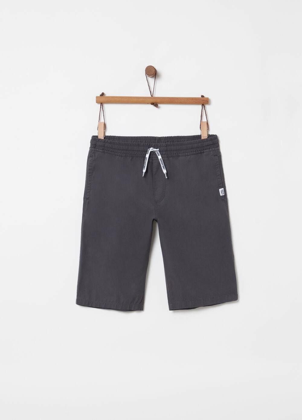 Bermuda shorts in 100% cotton with drawstring and pockets