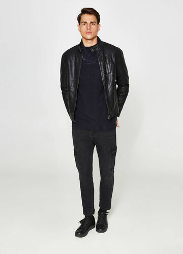 Loose-fit stretch jeans with pockets