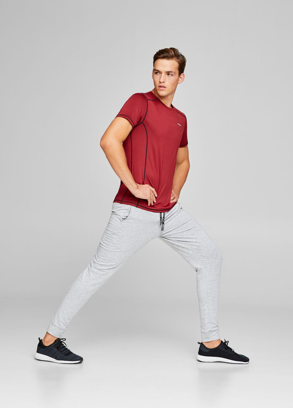 Solid colour stretch sports T-shirt