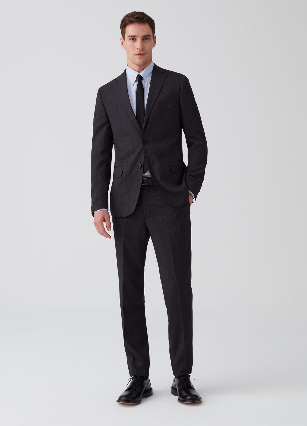 Regular-fit suit with two buttons and pockets