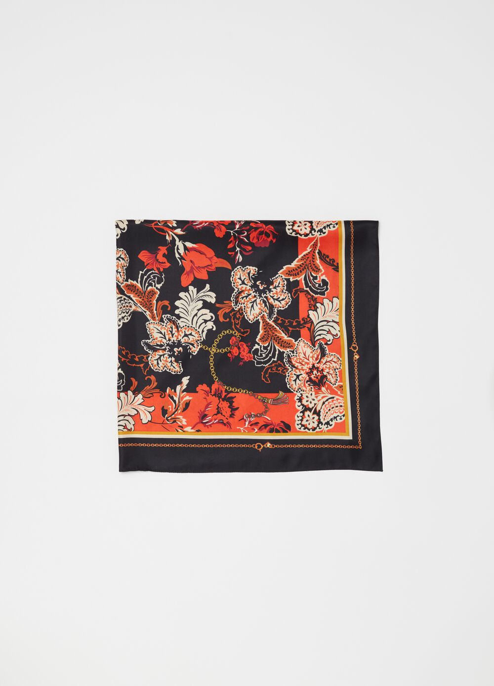 Foulard with paisley print