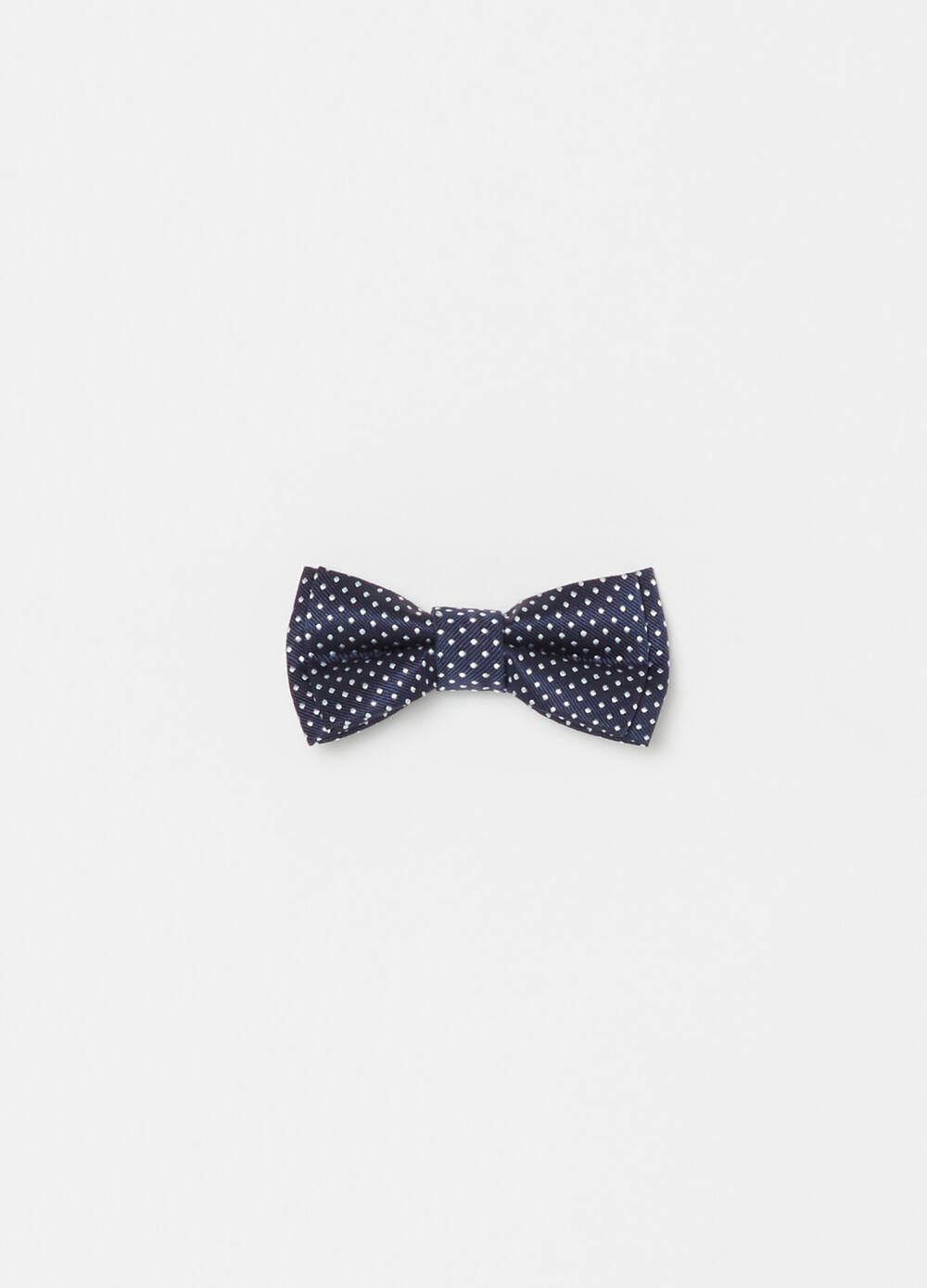 Polka dot patterned bow tie