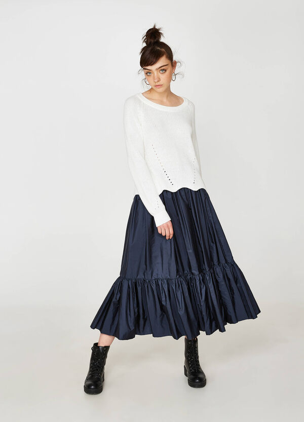 Solid colour full skirt