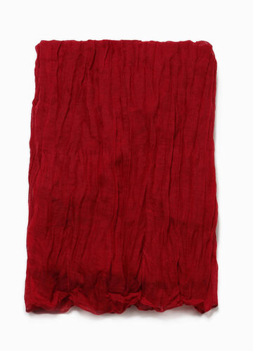 Solid colour scarf with crumpled effect