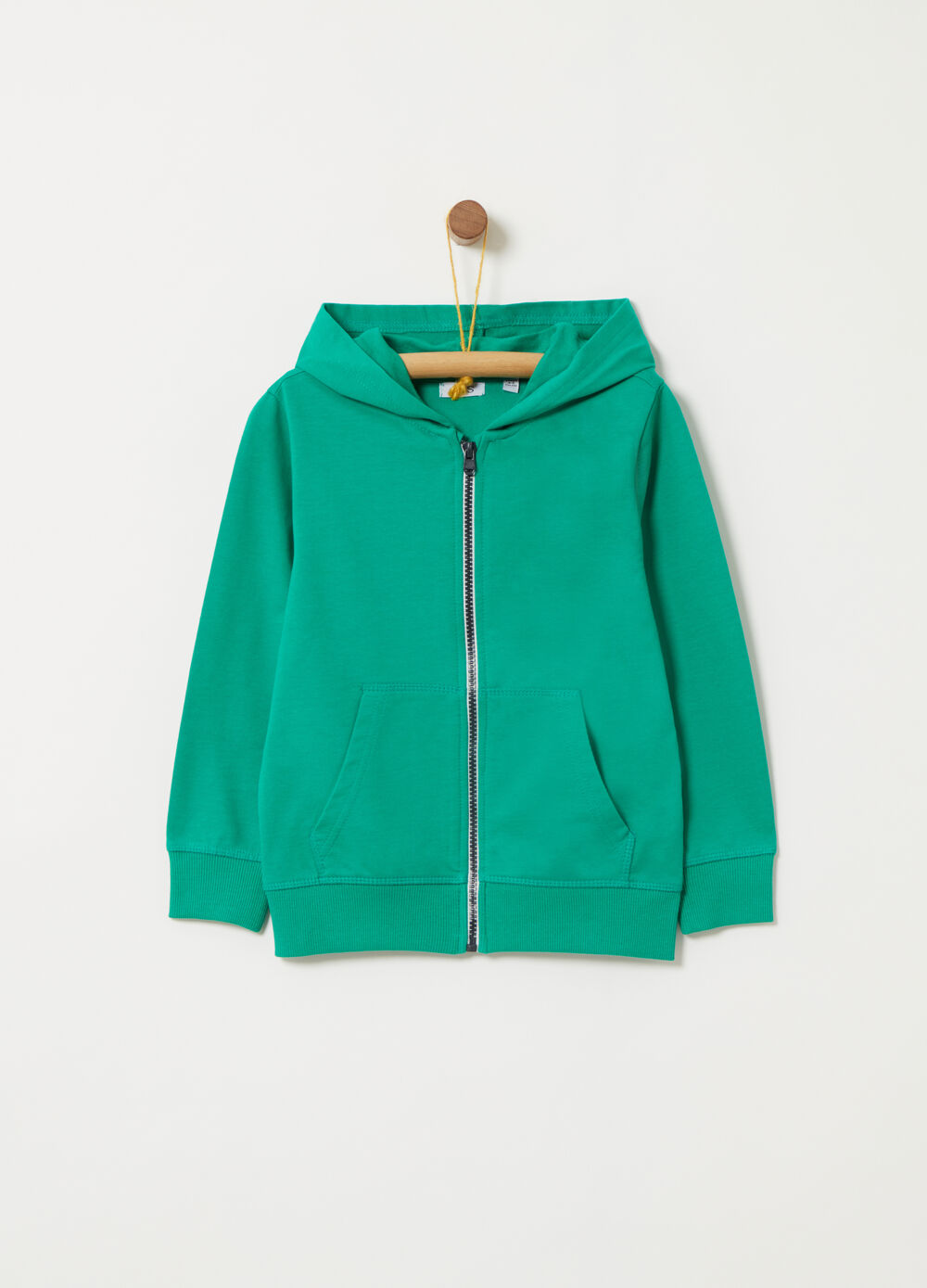 Lightweight sweatshirt with functional pocket