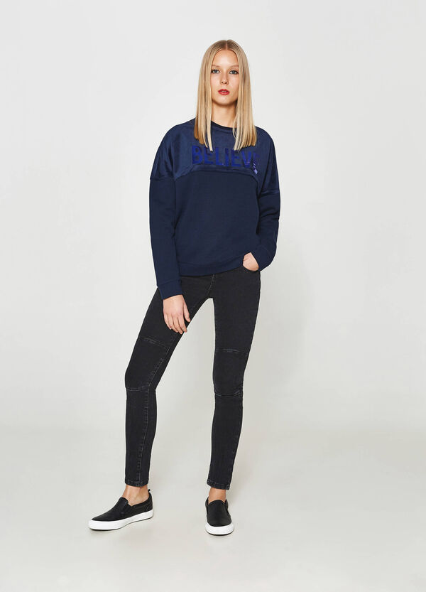 Sweatshirt in chenille with printed lettering