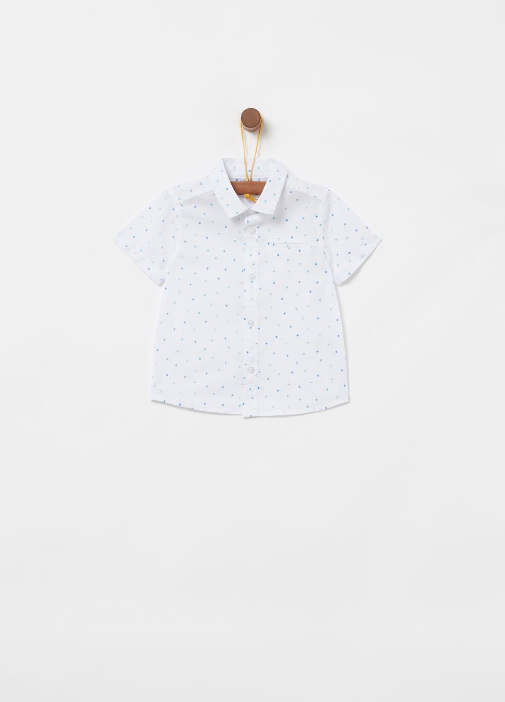 Shirt with short sleeves and pattern