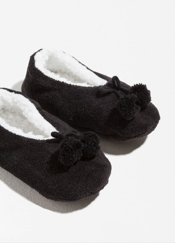 Slippers with fur and pompoms | OVS