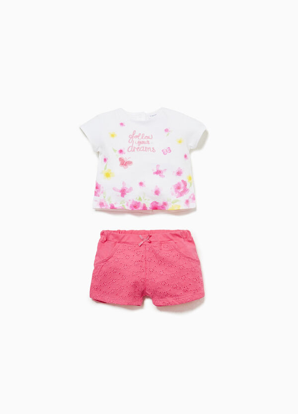 T-shirt and shorts set with floral embroidery