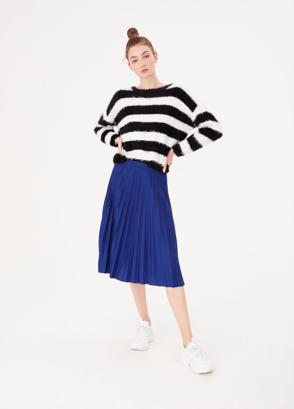 Striped top with fur-effect yarn