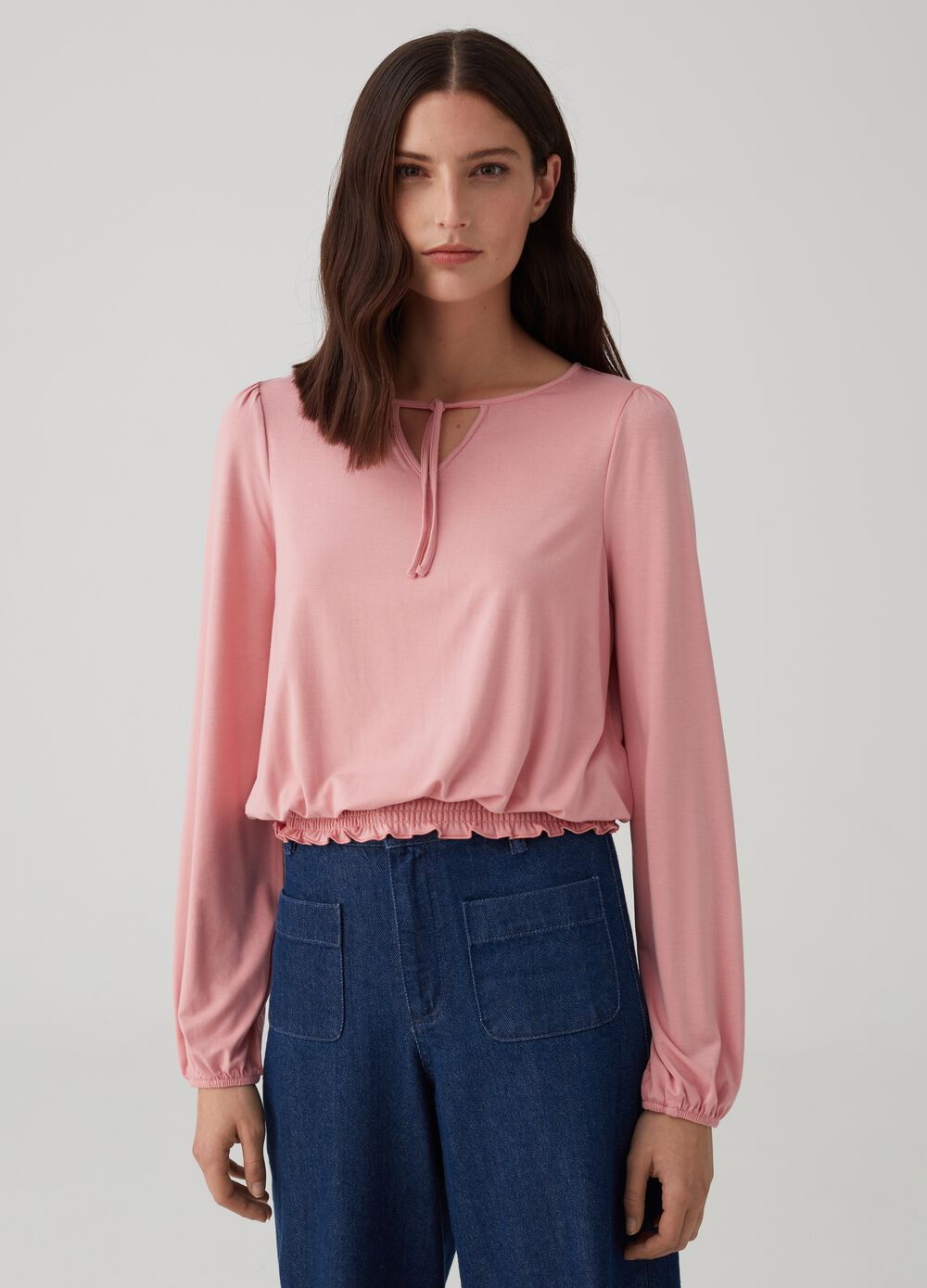 Solid colour T-shirt with gathering