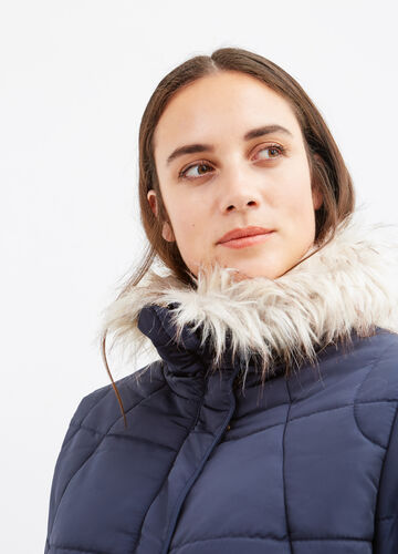 Curvy high neck parka with fur