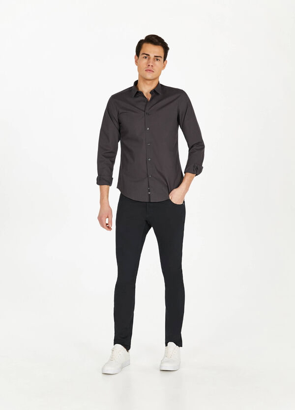 Casual solid colour shirt