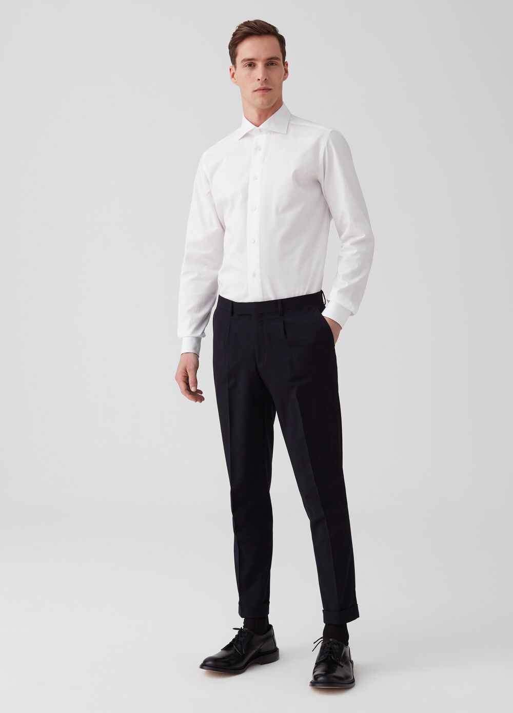 Custom-fit stretch trousers with pockets