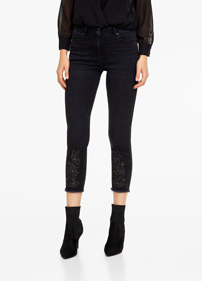 Slim-fit stretch jeans with studs and embroidery
